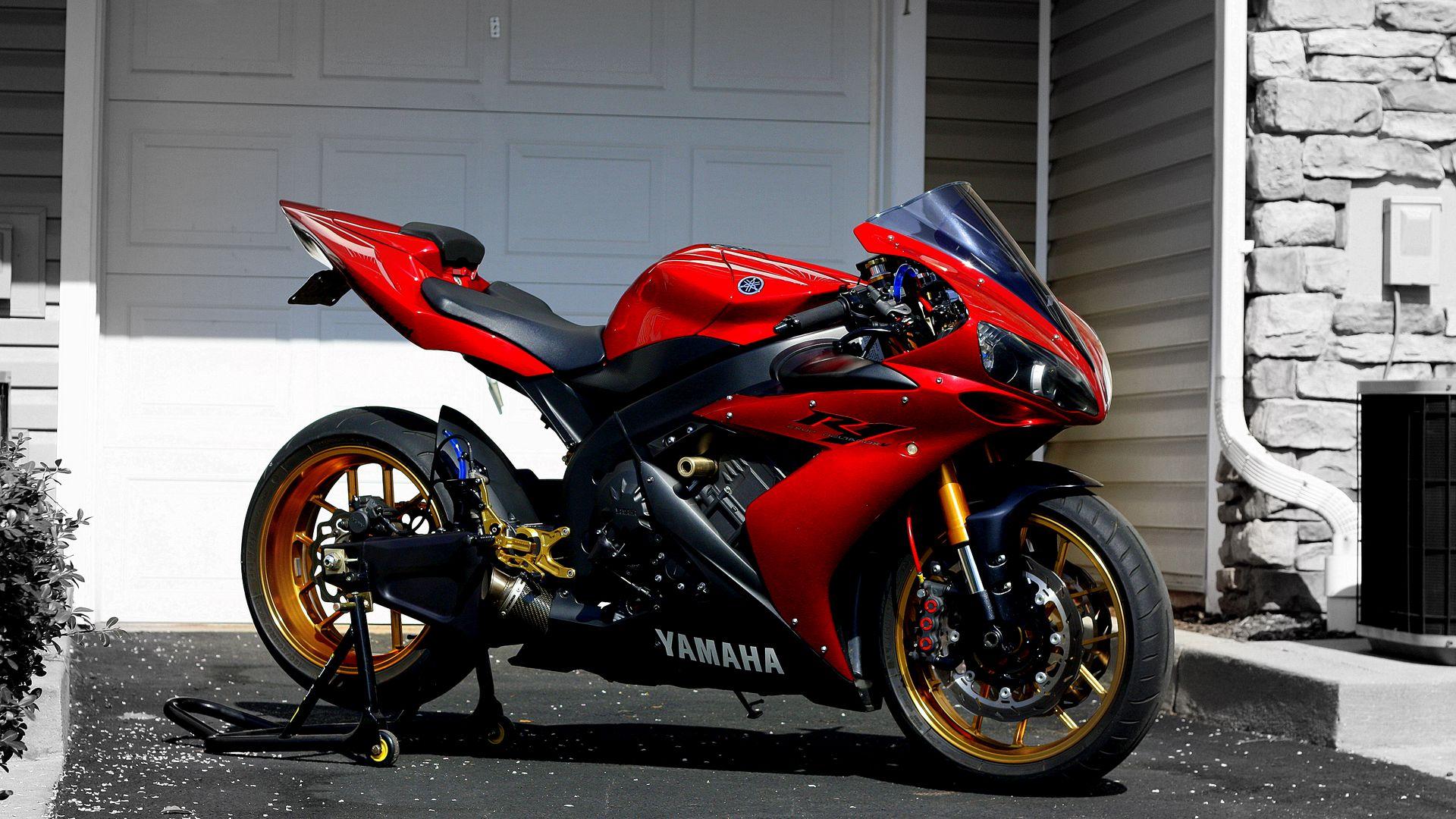 Pe Două Roți | Yamaha Pe Două Roți Motoare/ Scuter